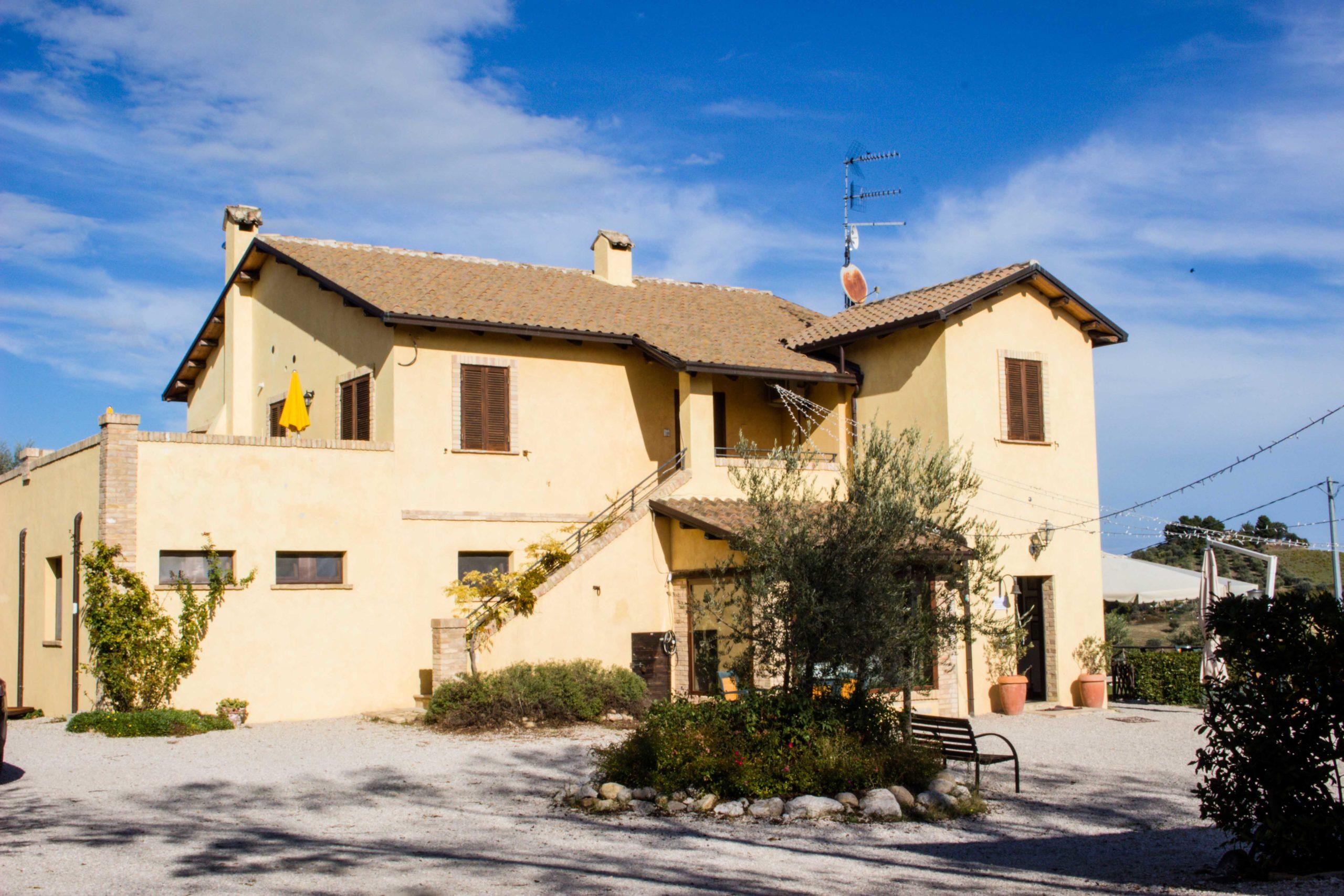 presentazione porthos 37 da Terra di Ea Tortoreto Abruzzo